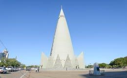 Boczny widok Catedral i obelisc w Maringa mieście fotografia royalty free