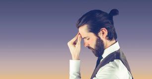 Boczny widok hipisa biznesmena cierpienie od migreny Zdjęcie Royalty Free