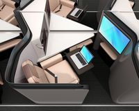 Boczny widok luksusowy klasa business apartament Laptop na stole łączył monitor na rozdziale Fi royalty ilustracja