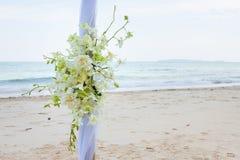 Boda adornada en la disposición de la boda de playa fotografía de archivo libre de regalías