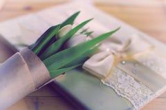 Boda blanca del cordón del tulipán Foto de archivo libre de regalías