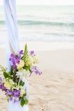Boda hermosa adornada en la playa Foto de archivo libre de regalías