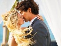 Boda, novia y novio Just Married en amor Fotografía de archivo libre de regalías