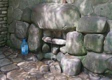 Bodbe monasteru wiosny woda fotografia stock