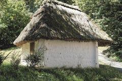 Bodega austríaca del tejado cubierto con paja Fotografía de archivo