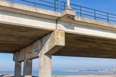 Bodem van concrete brug dichtbij Lelystad, Nederland royalty-vrije stock foto's