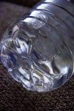 Bodem van de fles met water royalty-vrije stock afbeeldingen