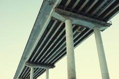 Bodemmening aan de brug Stock Fotografie