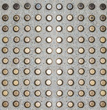Boden-Metallknöpfe für Anleitung der blinden Person Stockfotos