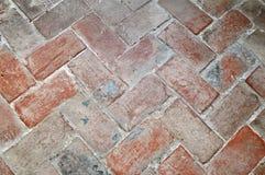 Fußboden Aus Ziegelsteinen ~ Boden von ziegelsteinen im fischgrätenmustermuster stockbild bild