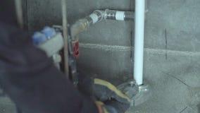 Bodenheizung ein Haus darunter Rohrkräuselung stock footage