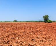 Bodenvorbereitung für die Landwirtschaft Lizenzfreie Stockbilder