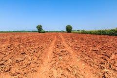 Bodenvorbereitung für die Landwirtschaft Lizenzfreie Stockfotografie