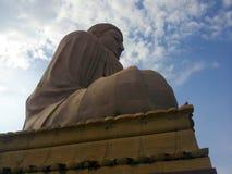 Bodh gaya: Den jätte- Buddhastatyn Arkivfoton