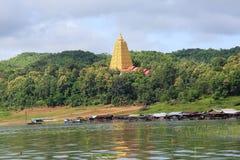 Bodhgaya-stil stupa på den Wangvivagegaram templet Royaltyfria Bilder