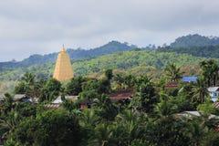 Bodhgaya-stil stupa på den Wangvivagegaram templet Royaltyfri Fotografi