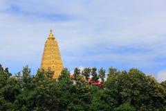 Bodhgaya-stil stupa på den Wangvivagegaram templet Royaltyfri Foto