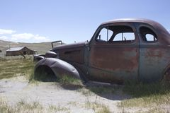 Bodie Ghost Town, voiture d'Abandones Images libres de droits