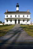 Bodie Island Lighthouse & besökaremitt Arkivfoto