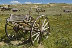 Bodie Kalifornien den gammala brutna vagnen Arkivbild
