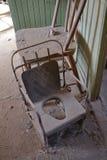 Bodie stanu Historyczny park: potty, krzesło fotografia stock