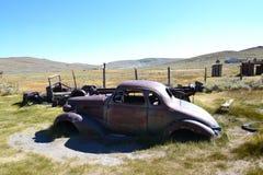 Bodie stanu Historyczny park = starzy samochody fotografia stock