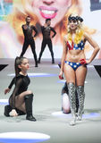 BODY PAINT SHOW CATWALK, COSMOBELLEZA 2014 Stock Photography