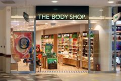 Body Shop pachnidła sklep w panorama dużym rynku zdjęcie royalty free