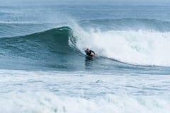 Bodyboarder που κάνει σερφ το ωκεάνιο κύμα Στοκ εικόνα με δικαίωμα ελεύθερης χρήσης