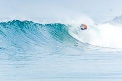Bodyboarder που κάνει σερφ το ωκεάνιο κύμα Στοκ φωτογραφία με δικαίωμα ελεύθερης χρήσης