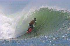 bodyboarding волна пробки Гавайских островов занимаясь серфингом стоковое фото rf