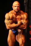 Bodybuilder arrepiante Fotografia de Stock Royalty Free