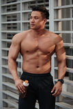 Bodybuilder attirant Photos stock