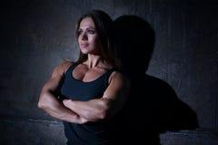 Bodybuilder de femme Photographie stock libre de droits