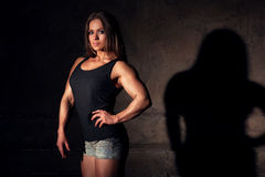 Bodybuilder de femme Photographie stock