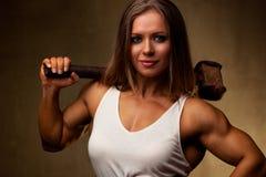 Bodybuilder de jeune femme image libre de droits