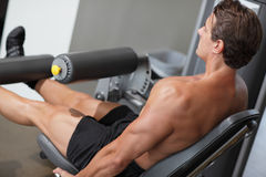 Bodybuilder in ginnastica Fotografia Stock