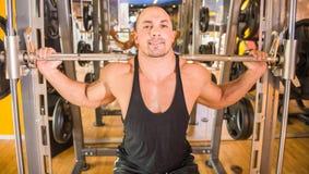 Bodybuilder at gym Royalty Free Stock Photos