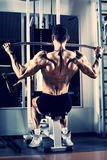 Bodybuilder in gym Royalty Free Stock Photos