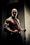 Bodybuilder TARGET290_0_ Ręki Fotografia Royalty Free