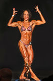 Bodybuilding Gal Sports Ripped Physique, Kuiltjes, & Trofee Royalty-vrije Stock Afbeelding