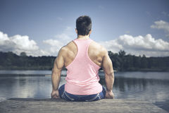 Bodybuilding man back side Royalty Free Stock Photography