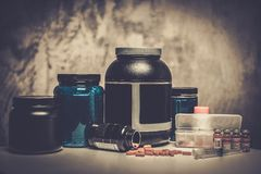 Bodybuilding nutrition supplements, chemistry Stock Photos