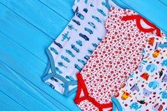 Bodysuits лета малышей дизайна моды стоковое изображение