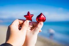 boże narodzenia kopiują dekoracj ostrości złocistego wielkiego ornamentu czerwieni przestrzeni drzewa Zdjęcia Stock