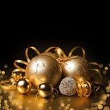 Boże Narodzenie złociste piłki Obrazy Royalty Free