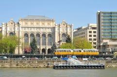 Boedapest bij de rivier van Donau Stock Afbeelding