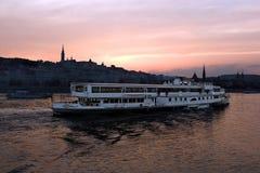 Boedapest bij zonsondergang Royalty-vrije Stock Foto's