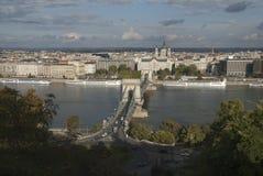 Boedapest & de rivier van Donau Stock Afbeeldingen
