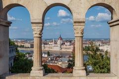 Boedapest, Hongarije - het Parlementsgebouw en de Donau royalty-vrije stock foto's